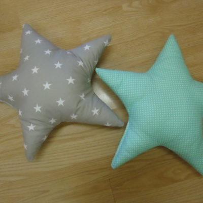9. Csillagpárna 1850ft/db Mérete: kb. 40 cm