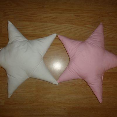 3. Csillagpárna 1850ft/db Mérete: kb. 40 cm