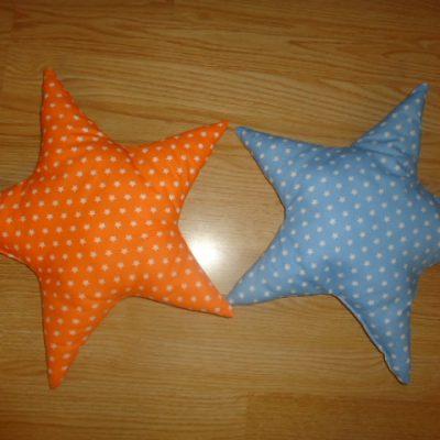 5. Csillagpárna 1850ft/db Mérete: kb. 40 cm